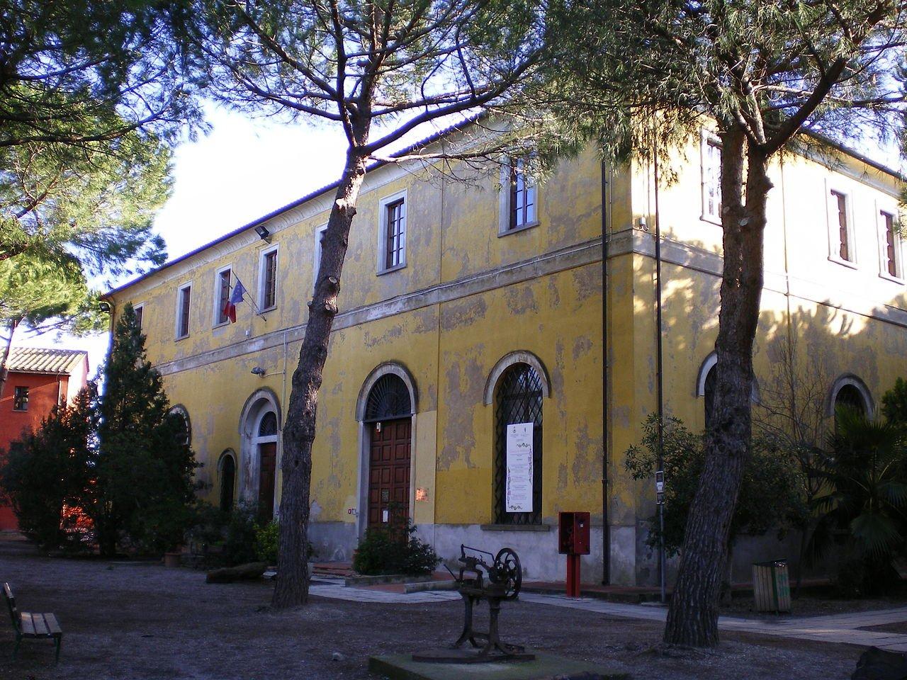 follonica-1280px-FollonicaBibliotecaComunale-Francesco-Babboni