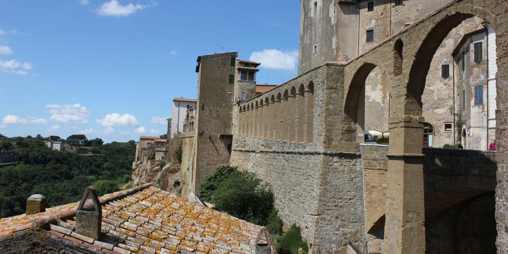 Pitigliano-aqueduct