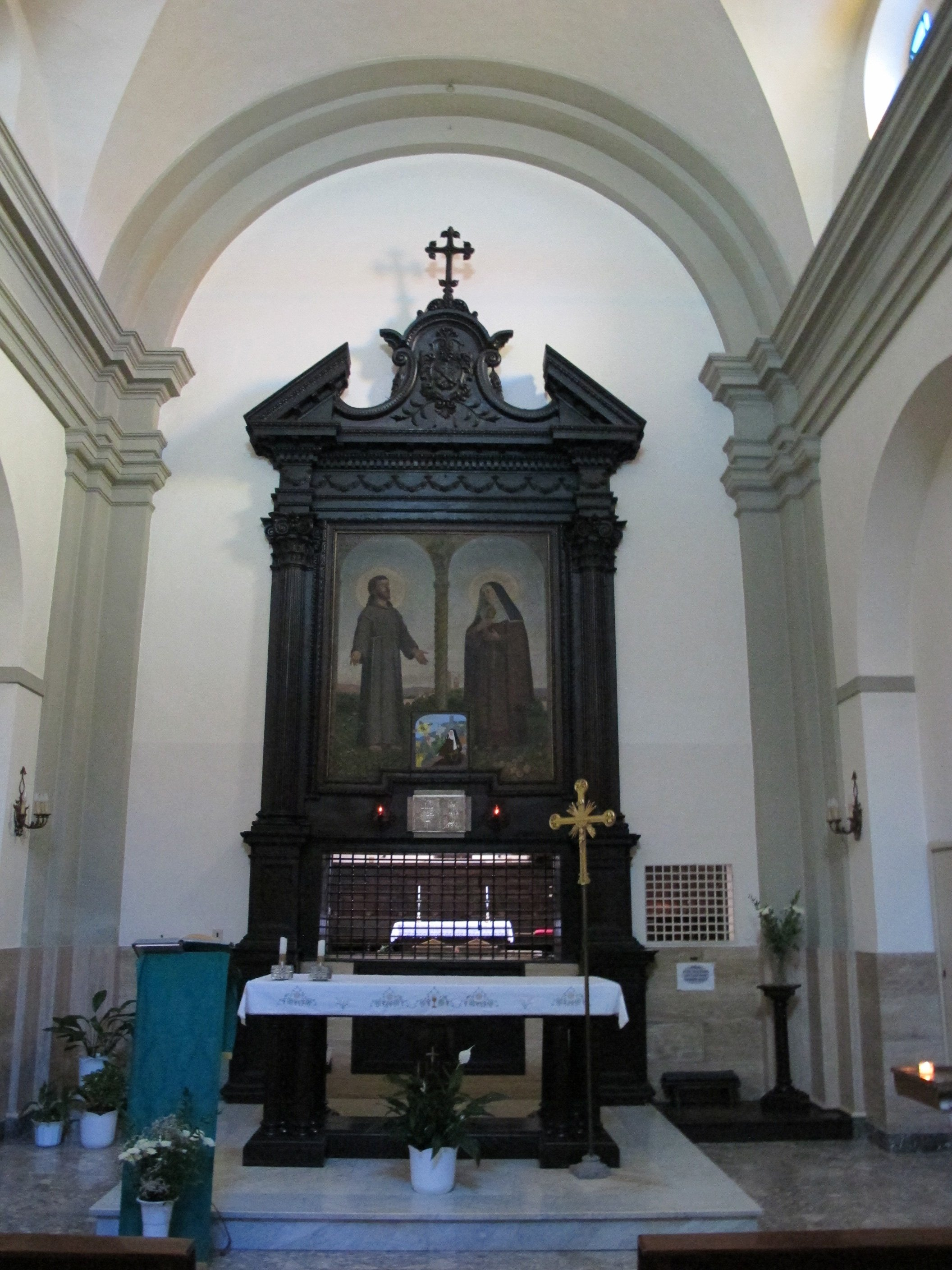 Santa_fiora,_santa_chiara,_interno_01-photo-sailko