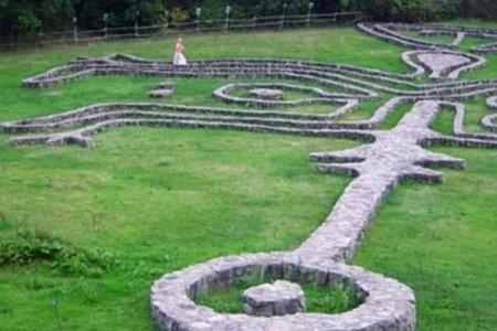 Giardino daniel spoerri labyrinth 1 maremma tuscany - Giardino di daniel spoerri ...