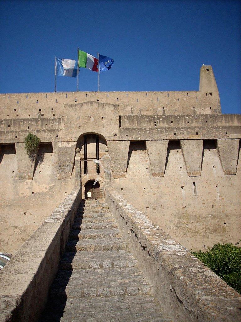 porto-santo-stefano-fortress-Nadia-Fondelli