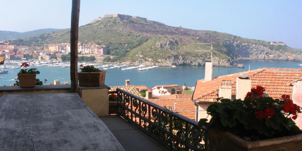 Porto_Ercole_-_Vista_fortezza_dalla_rocca_3-mac9