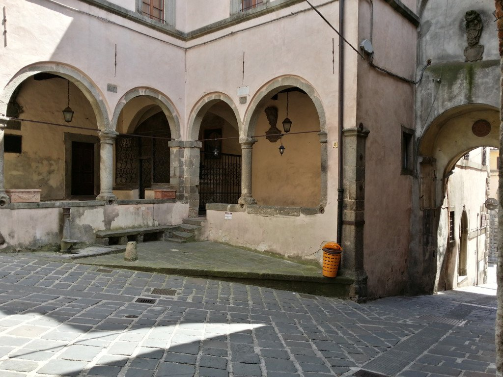 palazzo-nerucci